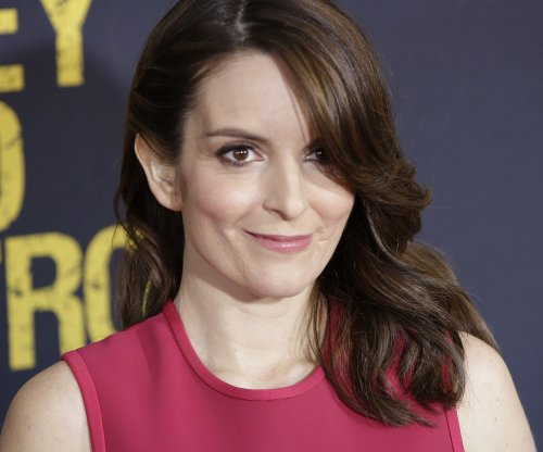 Tina Fey faces off with Rachel Maddow on 'Tonight Show'