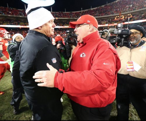 Coach Petty: Jack Del Rio stares down Andy Reid after loss