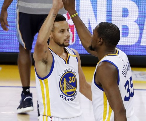 Golden State Warriors' Kevin Durant out after injuring knee in Washington