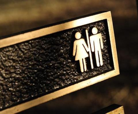 Texas lawmakers advance bathroom bill against transgender students