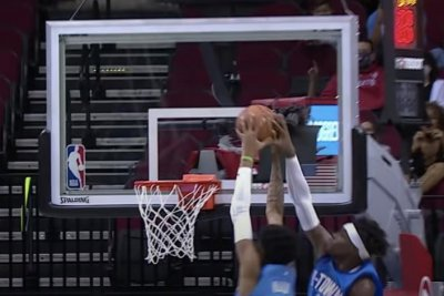 Rockets complete double alley-oop dunk in win over Kings