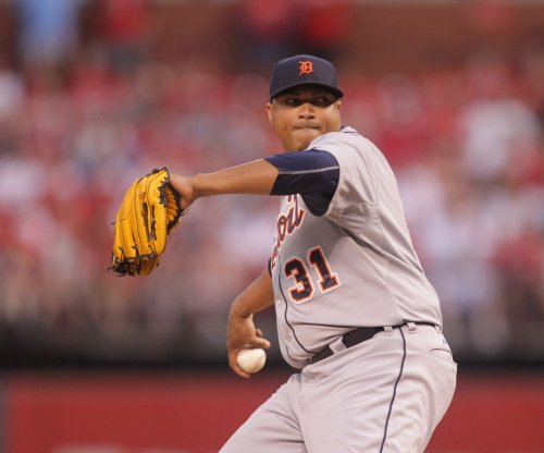 RHP Alfredo Simon returns to Cincinnati Reds on one-year deal