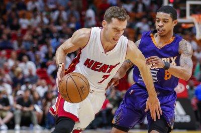 Phoenix Suns' Devin Booker, Tyler Ulis have Kentucky, UCLA bet with coach