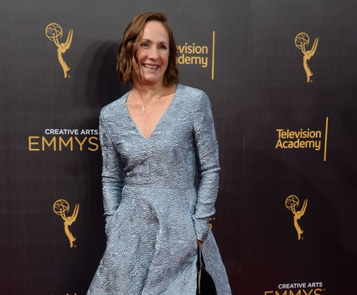 Laurie Metcalf on 'Roseanne' revival: 'I am hoping that it happens'