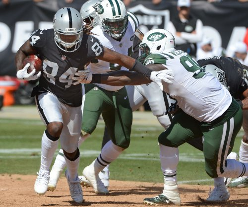 New England Patriots acquire Cordarrelle Patterson from Oakland Raiders