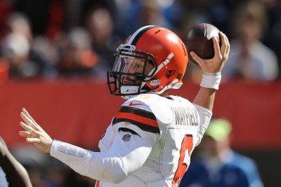 Browns' Mayfield on Riley: 'He's doing his thing and I'm doing mine'