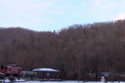Crews searching for 3 missing men in West Virginia coal mine
