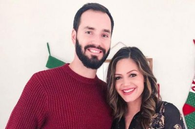 'Bachelorette' alum Desiree Hartsock gives birth to son
