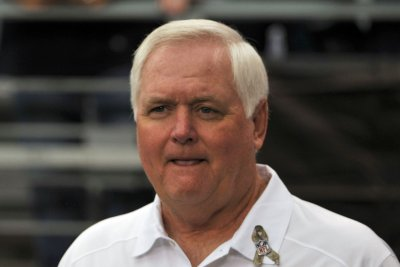 Los Angeles Rams part ways with defensive coordinator Wade Phillips