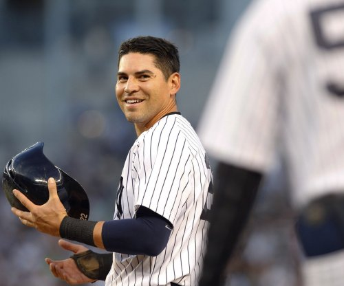 New York Yankees' Ellsbury injures knee, placed on DL
