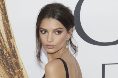 Emily Ratajkowski fires back at Piers Morgan for nude photo comments