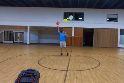 Man keeps three balloons in the air for over an hour for Guinness record