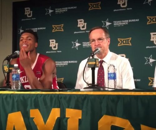 Top-ranked Oklahoma Sooners pass by No. 13 Baylor Bears