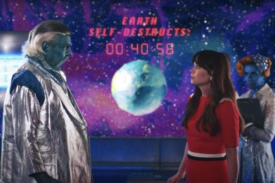 Zooey Deschanel stars in Katy Perry's 'Not the End of the World' music video