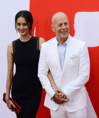 Bruce Willis and Emma Heming-Willis share photo of new baby Evelyn