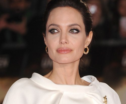 Angelina Jolie: Surgery made me feel connected to other women