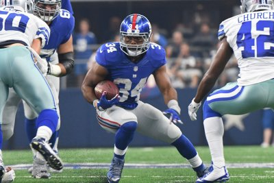 New York Giants' Shane Vereen leaves game with concussion