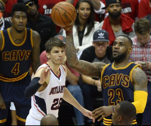 Cleveland Cavaliers land 3-point sniper Kyle Korver from Atlanta Hawks