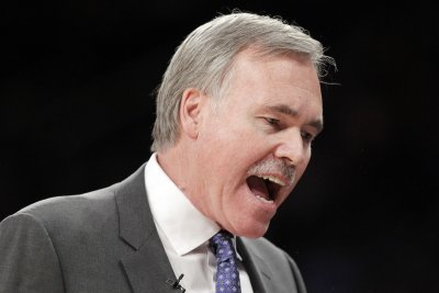 Houston Rockets coach Mike D'Antoni hospitalized with virus, could return soon