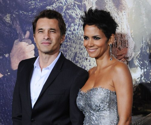 Halle Berry, Olivier Martinez to put divorce on hold