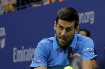 Novak Djokovic reaches Shanghai quarterfinals