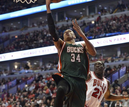 Giannis Antetokounmpo scores 30 as Milwaukee Bucks top Chicago Bulls
