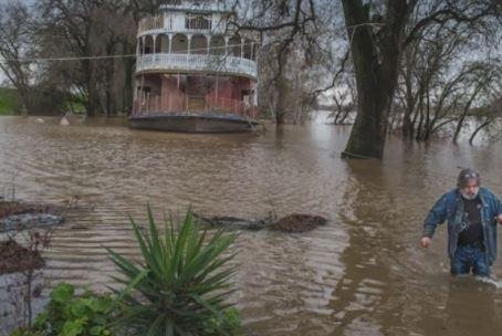 Three Dead In California Russian River Floods 500 Homes