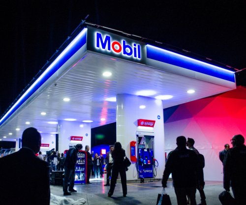 Mobil-brand gas stations open in Mexico
