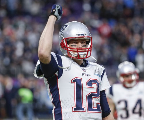 Brady, Gronkowski attend start of Patriots minicamp