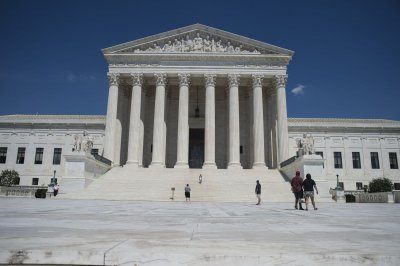 Supreme Court rules to limit employee access to class arbitration