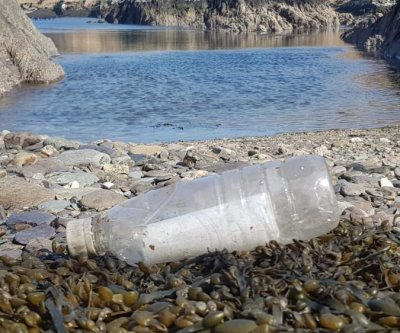 Message in a bottle travels from Germany to Ireland