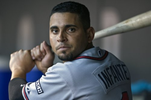 Braves lose Infante to broken left hand