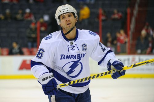 Martin St. Louis will replace Steven Stamkos on Canadian men's hockey team
