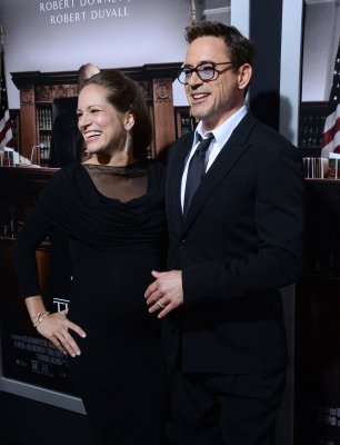 Robert downey jr and susan levin wedding cakes
