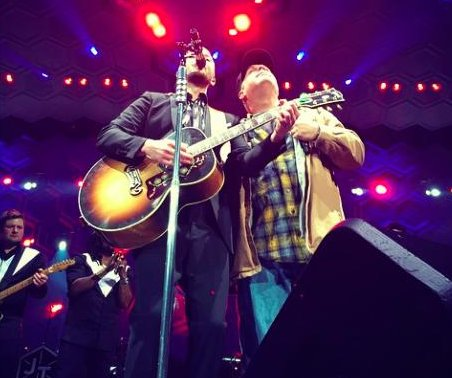 Justin Timberlake, Garth Brooks team up in surprise '20/20 Experience' gig