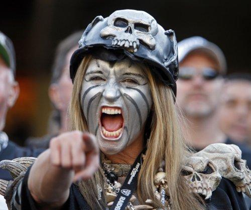 Las Vegas Mayor shares thoughts on Oakland Raiders move