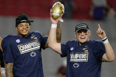 Fiesta Bowl: Penn State holds off Washington