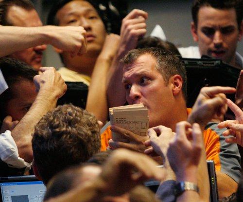 Oil prices shrug off positive U.S. jobs data