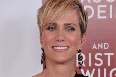 Kristen Wiig engaged to boyfriend Avi Rothman