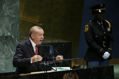 Turkey prepares to fight Kurds in northern Syria