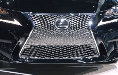 Lexus most dependable for 3rd year, new GM chief royalty