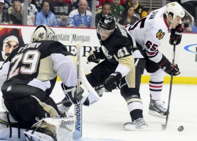 Pittsburgh Penguins defeat Chicago Blackhawks 4-1