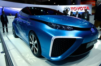 Toyota to launch hydrogen fuel cell car in 2015