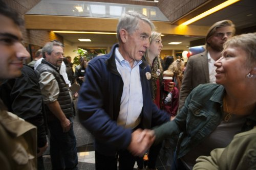 Early voting swings toward Democrats in Co., may not help Udall overcome Gardner