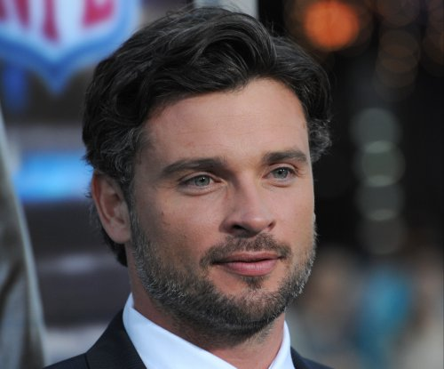 Tom Welling: Playing Superman on 'Supergirl' would be 'odd'