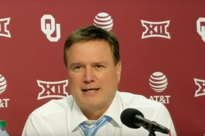 Bill Self wins 400th game as No. 2 Kansas tops Oklahoma