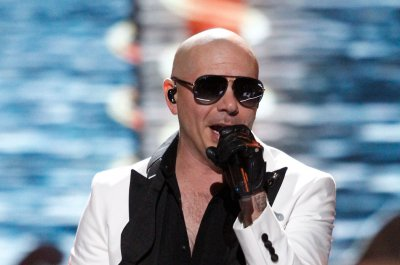 Pitbull sends plane to Puerto Rico to rescue cancer patients