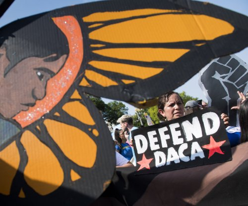 Federal judge orders government to accept DACA applications