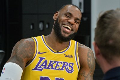 LA Story begins: LeBron to debut for Lakers vs. Blazers