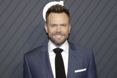 Joel McHale: 'You can't just avoid' controversy in comedy